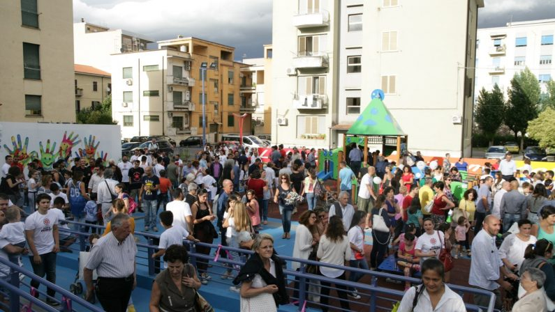Il sogno è diventato realtà: inaugurato a Cosenza il parco giochi accessibile a tutti i bambini