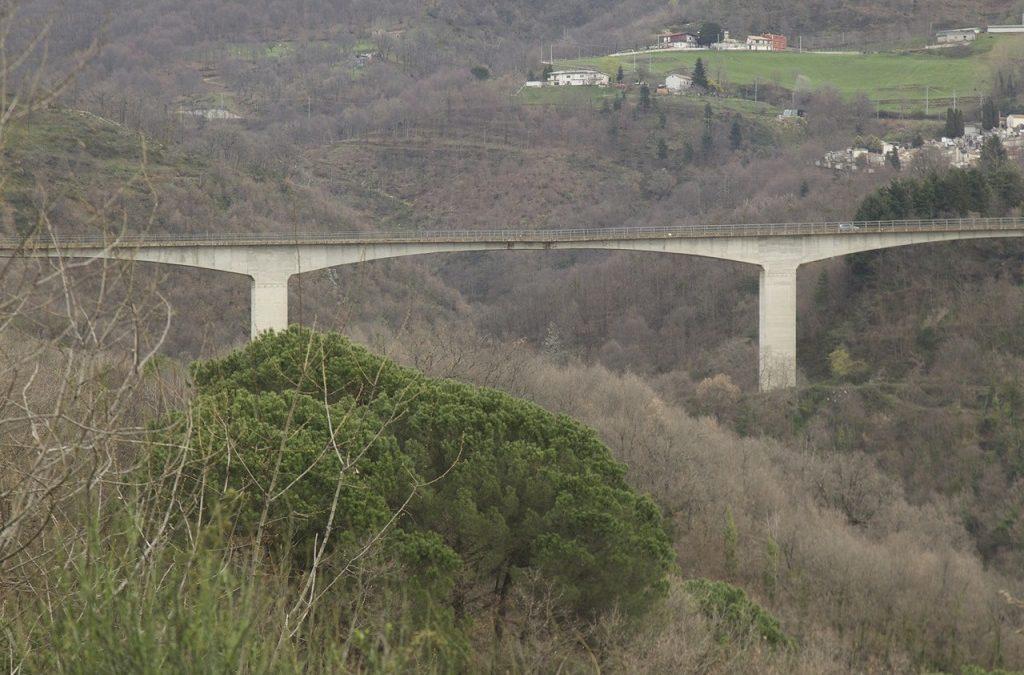 Cosenza, chiuso al traffico per una notte il ponte di Celico: l'Anas eseguirà dei monitoraggi