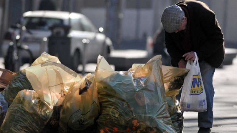 """Il Mezzogiorno povero si allargae """"ingoia"""" anche Marche e Umbria"""