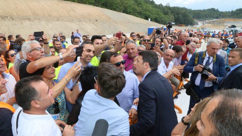 FOTO - Renzi inaugura il viadotto Italia sulla Salerno-Reggio Calabria
