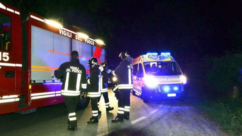 Travolto da un'auto davanti al centro commercialeMorto un uomo nel Cosentino, due persone ferite