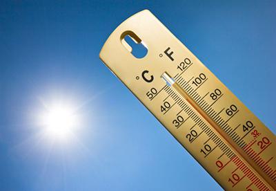 Meteo, le temperature salgono ancora: dalla Regione Campania l'invito alle persone a rischio a restare a casa
