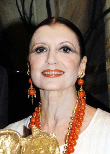 Il Teatro San Carlo di Napoli dedica due serate a Carla Fracci