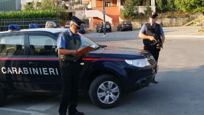 Fuggono da un posto di controllo con auto rubatae provocano un incidente nel Reggino, due arresti