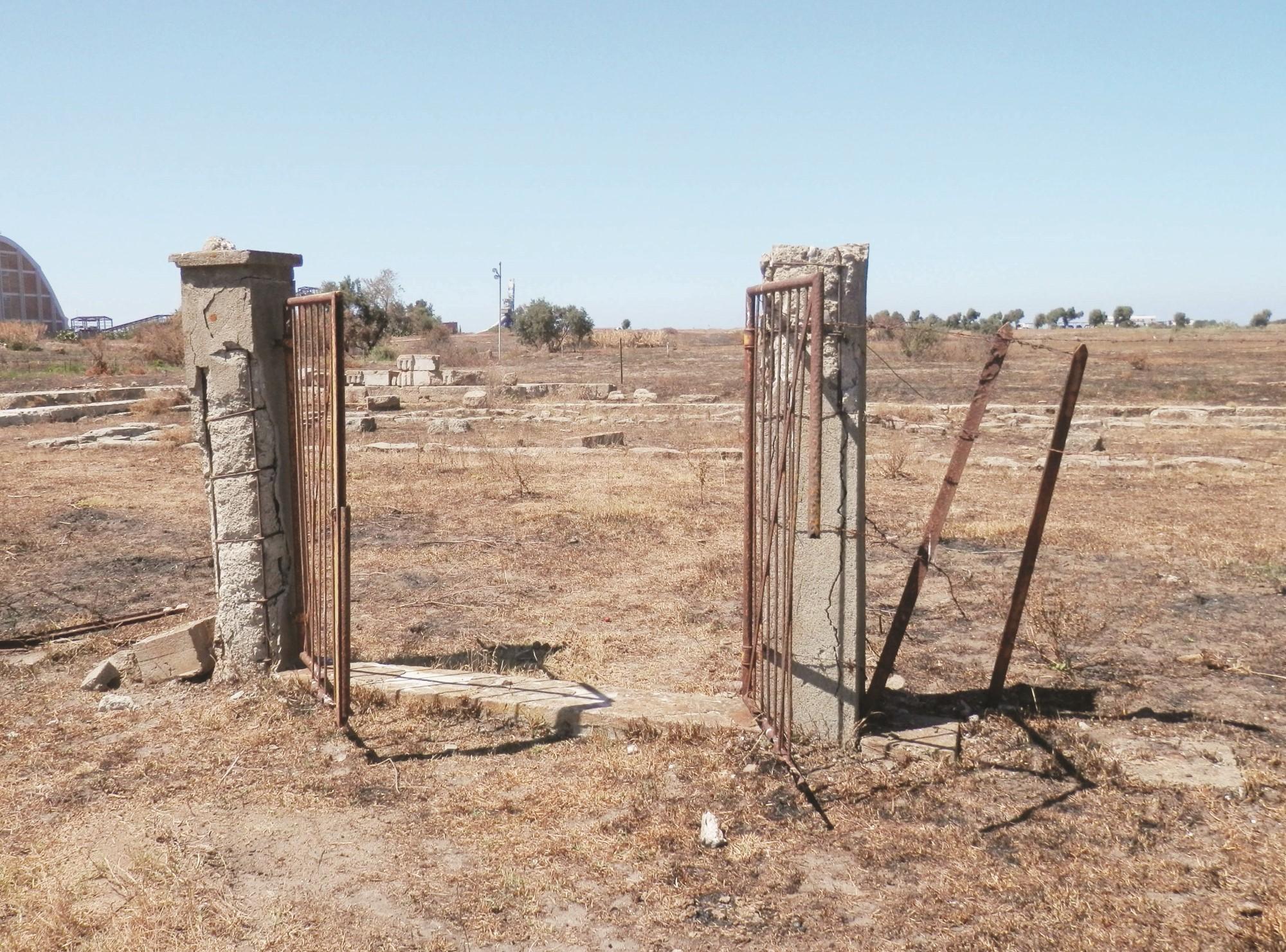 VIDEO - La situazione drammatica in cui versa il tempio di Apollo Aloios a Cirò Marina