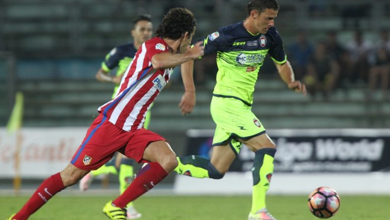Calcio, il Crotone affronta il Roccella: è l'amichevole che conclude il ritiro in Sila