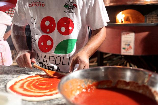Pizza patrimonio Unesco, anche il sottosegretario De Filippo firma la petizione