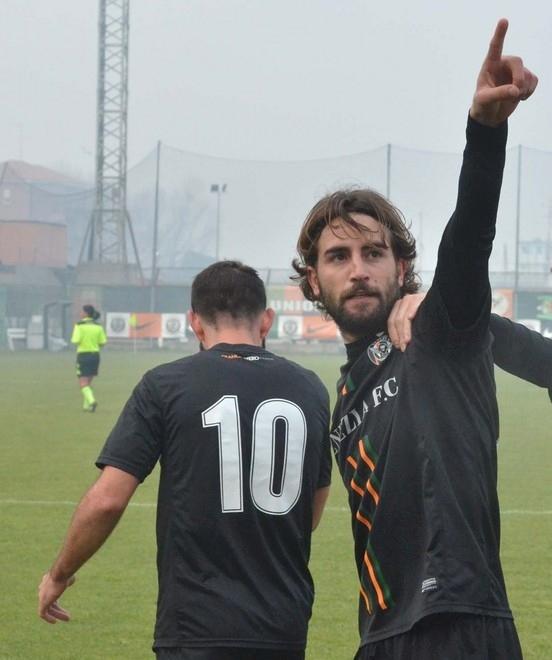 Vibonese: con la Serie C in arrivo anche l'attaccante Carbonaro