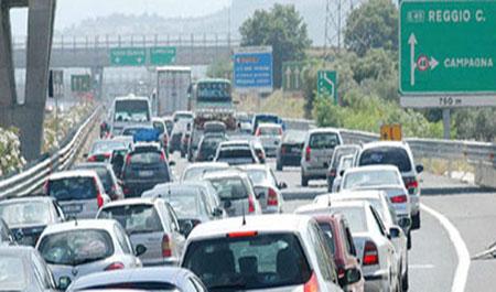 Viabilità, traffico intenso ma scorrevole in Calabria  I maggiori flussi di veicoli sulla statale 106 jonica