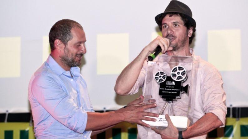 Il regista Mainetti presenta Freaks Out: «Gente con superpoteri contro mostri veri»