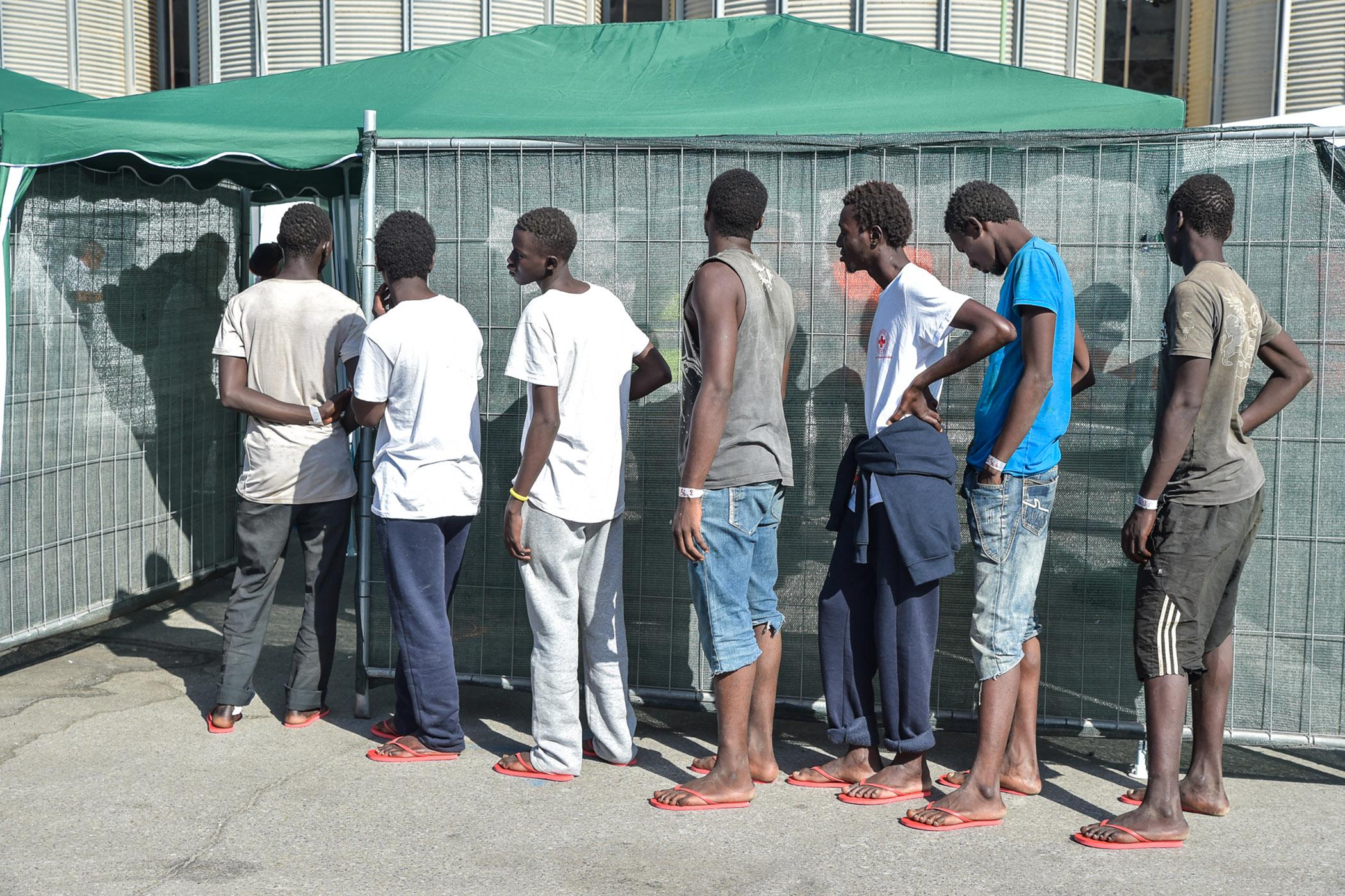 Integrazione, l'esempio di Potenza: 240 richiedenti asilo a pulire la città
