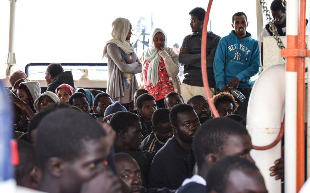 Scanzano, i fedeli si oppongono al parroco che vuole ospitare i migranti