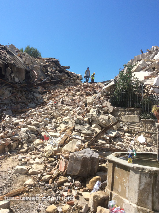 Tragedia Amatrice, gli amministratori di San Martino Valle Caudina donano parte delle indennità ai terremotati