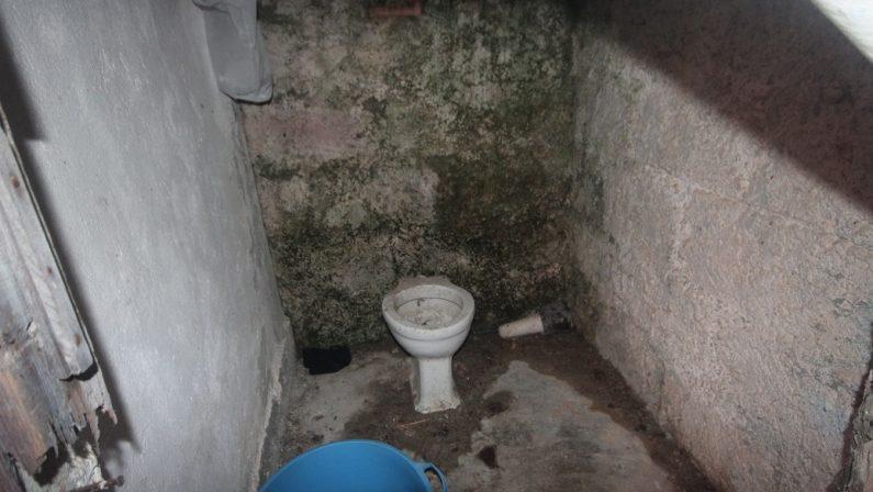 FOTO - Le condizioni dei lavoratori costretti dai caporali nella Sibaritide
