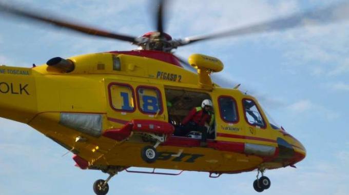 Lamezia Terme, l'unica ambulanza non è disponibileNecessario l'elisoccorso per soccorrere una studentessa
