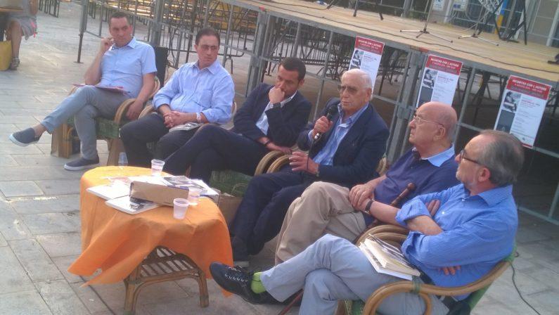 Il direttore Festa a confronto con il Presidente De Mita tra tragedie di ieri e di oggi e il ruolo della politica