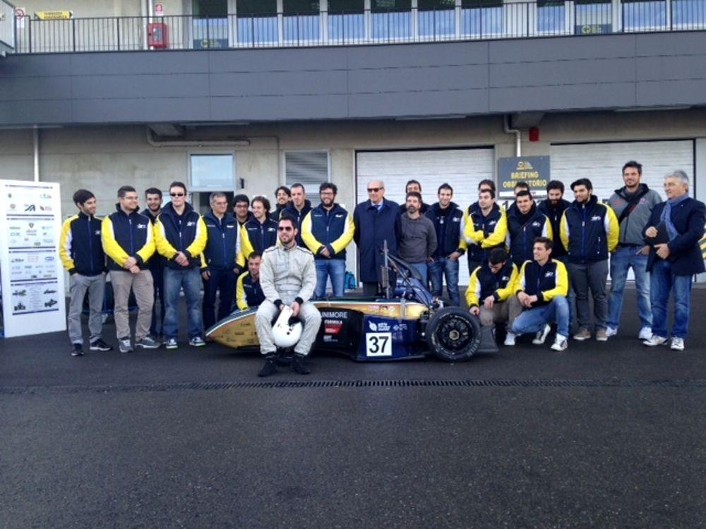 Tre studenti calabresi conquistano premio in GermaniaE' loro la migliore auto da corsa per design ed efficienza