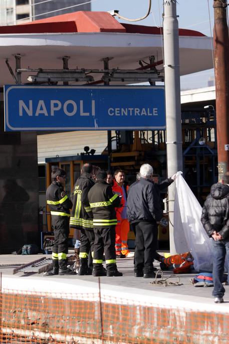 Napoli, operaio 31enne di Trenitalia muore folgorato