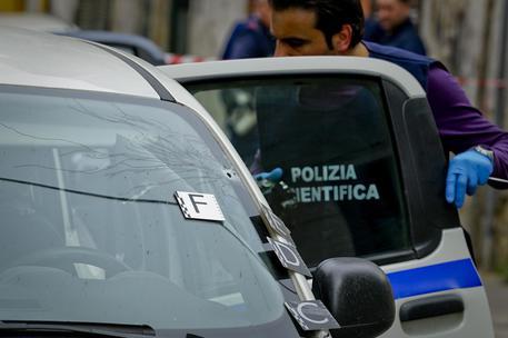 Cosenza: agguato mafioso in via degli Stadi, ucciso un 33enne