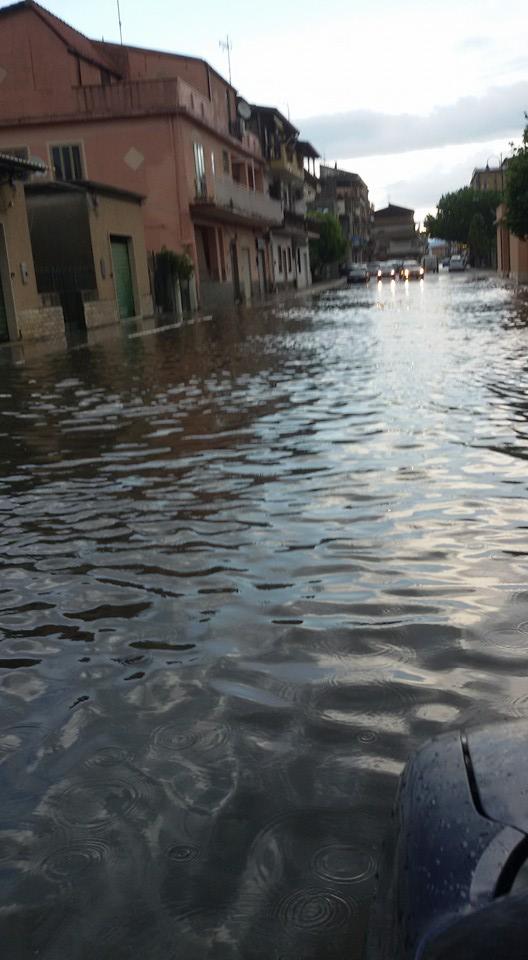 FOTO - Vibo Valentia allagata dopo un violento acquazzone