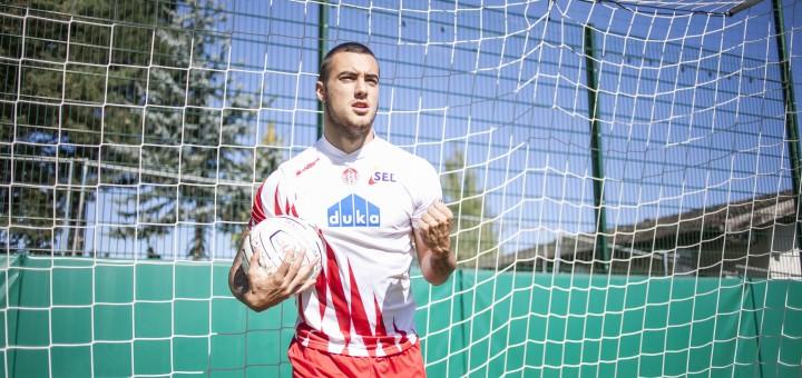 La Lega Pro continua a regalare magie balisticheIl calabrese Gliozzi in gol con una rovesciata