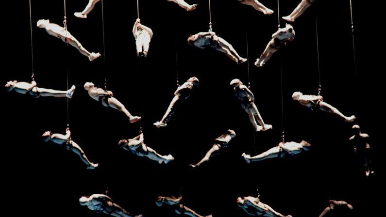 Teatro, spettacolo collettivo sugli arbereshe: nel paese più piccolo della Basilicata la magia de La Fura Dels Baus