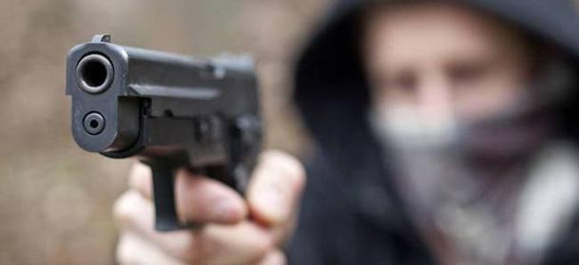 Attentato ad un imprenditore vibonese in serataL'uomo è stato ferito da un colpo di pistola