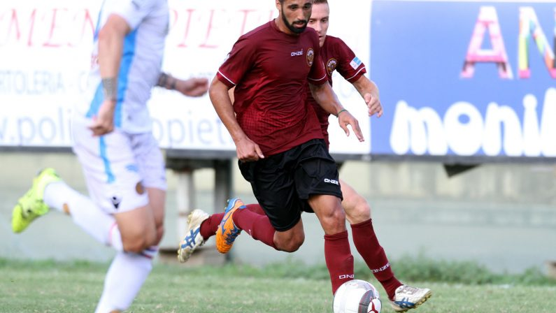 Serie C: colpo esterno del Catanzaro contro il Bisceglie, pareggiano Cosenza e Reggina