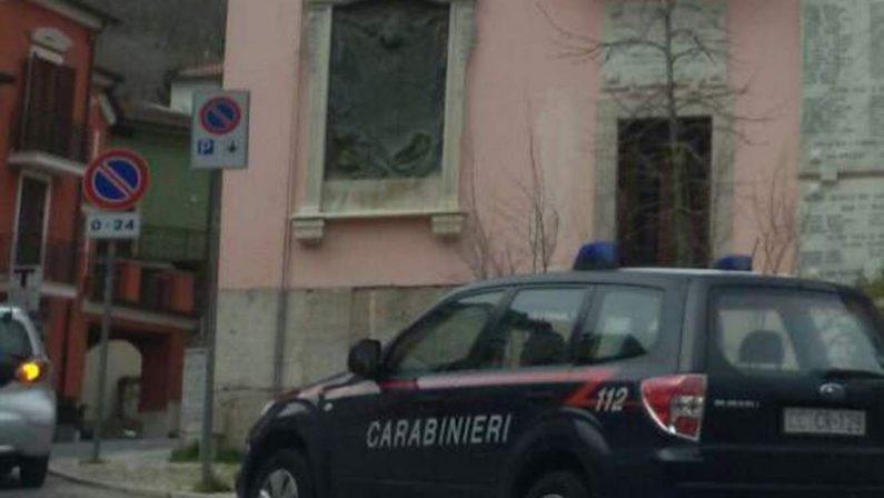 Monteforte, rubano un'auto e tentano un furto di nocciole: sorpresi dai Carabinieri inscenano di essere vittime di una rapina