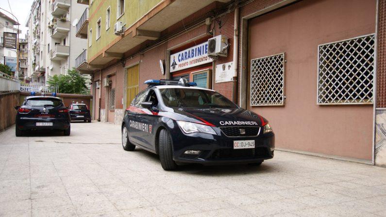 Nascondeva in casa dieci detonatori, arrestato un 40enne nel Crotonese