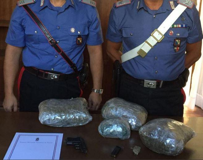 Due chili di marijuana nascosti in una valigiaCarabinieri arrestano un uomo a Cosenza