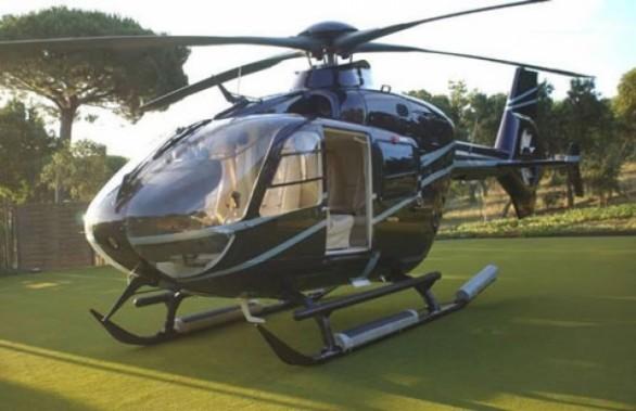 Ancora un matrimonio con elicottero in CalabriaQuesta volta però l'atterraggio show viene bloccato