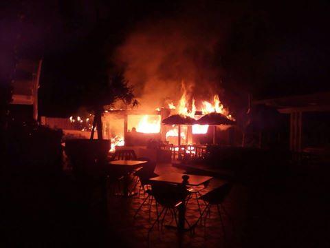 Incendiato un resort in provincia di Reggio Calabria. I proprietari sicuri: «E' una intimidazione»