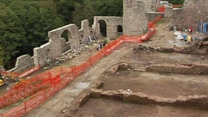 Archeologia, Oliverio: «Gli scavi di Mongiana strategici per il turismo e la cultura»