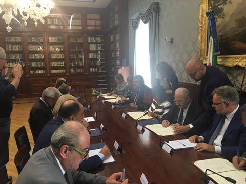 Sicurezza sui mezzi di trasporti, la Regione Campania firma il protocollo d'intesa con i questori campani e le altre Forze dell'Ordine