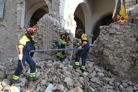 Emergenza sisma: la comunità cinese del napoletano dona 22mila euro agli sfollati