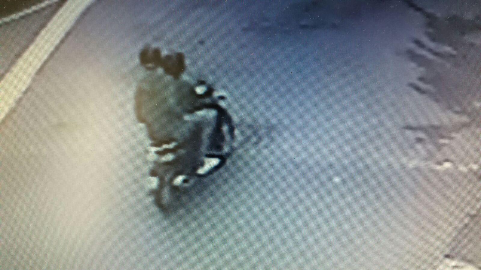 Sparatoria a Lamezia, telecamere inquadrano autori  Intimidazione compiuta da due giovani su uno scooter