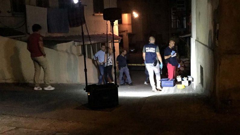 Reggio Calabria, 6 colpi di pistola contro una casaFerita nella zona del costato una ragazza minorenne