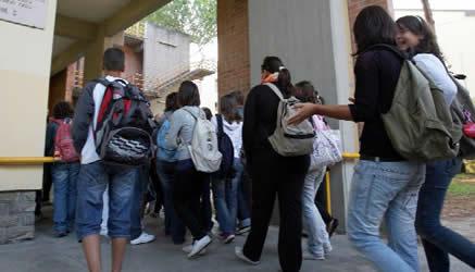 Scuola, iniziata la corsa per il corredo degli studentiCodacons:«Prezzi in aumento, si spende fino a 1.130 euro»