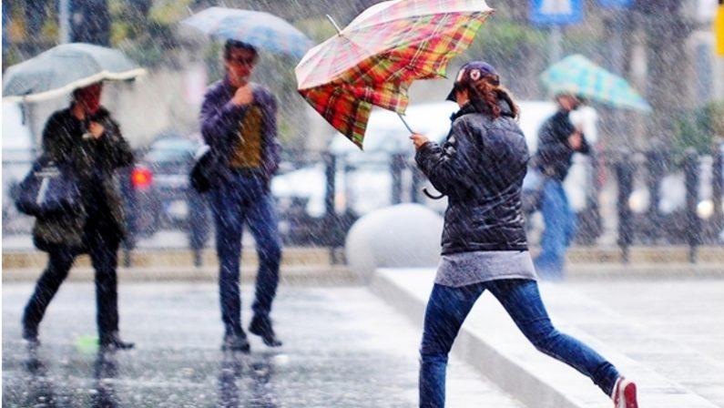Maltempo per la domenica prima di Natale, allerta temporali in Calabria