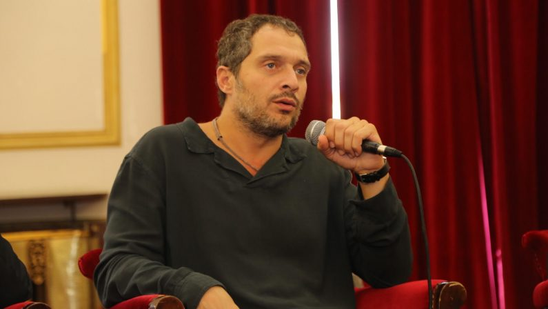 FOTO - Claudio Santamaria a Cosenza per il Festival del Fumetto