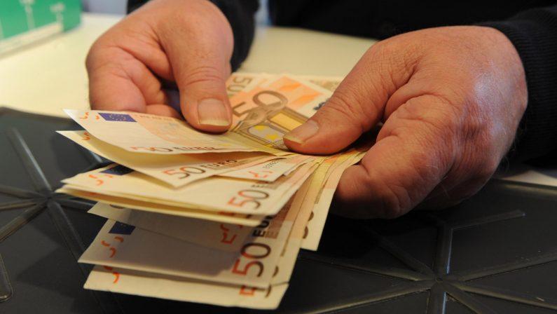 San Ferdinando, presta dei soldi a uomo in difficoltàPoi chiede interessi del 25% mensili, arrestato 65enne