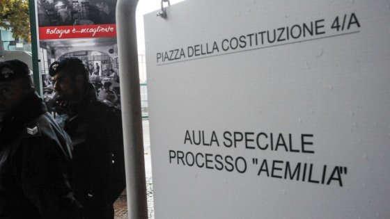 Minacciano un magistrato di Aemilia usando il nome del clanArrestati in Emilia Romagna un commercialista e un prete