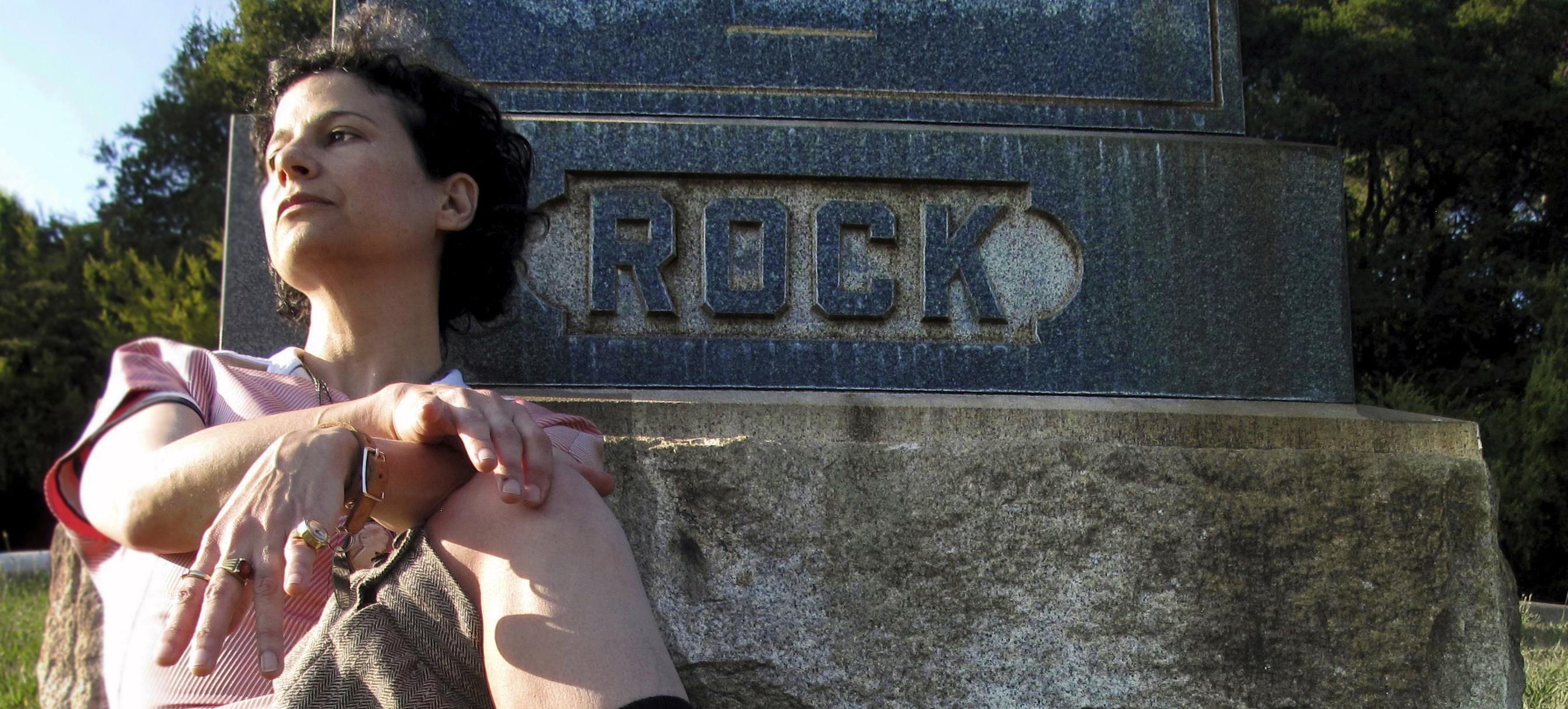 Avellino: a Villa di Marzo arriva Carla Bozulich con i suoi artigli insanguinati