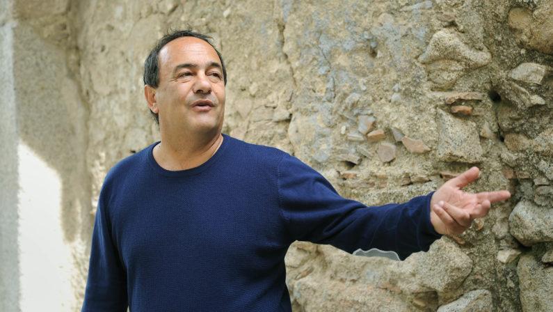 Forme di condizionamento nello Stato, l'analisi del sindaco di Riace Mimmo Lucano