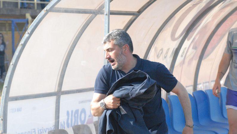 Calcio Serie D, Castrovillari: Viola rimette il mandatoLa società riflette in attesa di una risposta