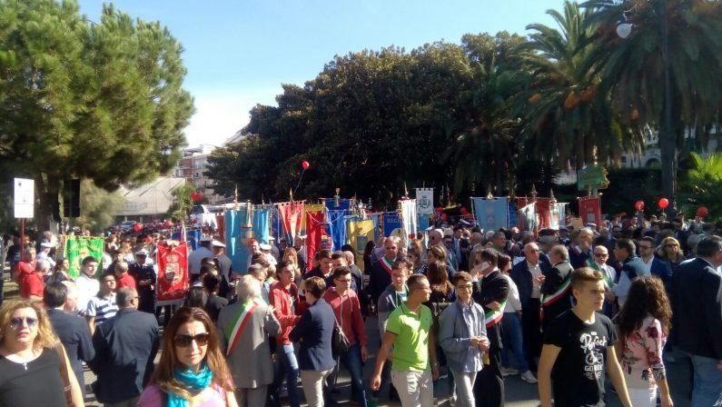 Abusi su 13enne, a Reggio in migliaia alla manifestazioneBoldrini: «No alla 'ndrangheta e no all'indifferenza»