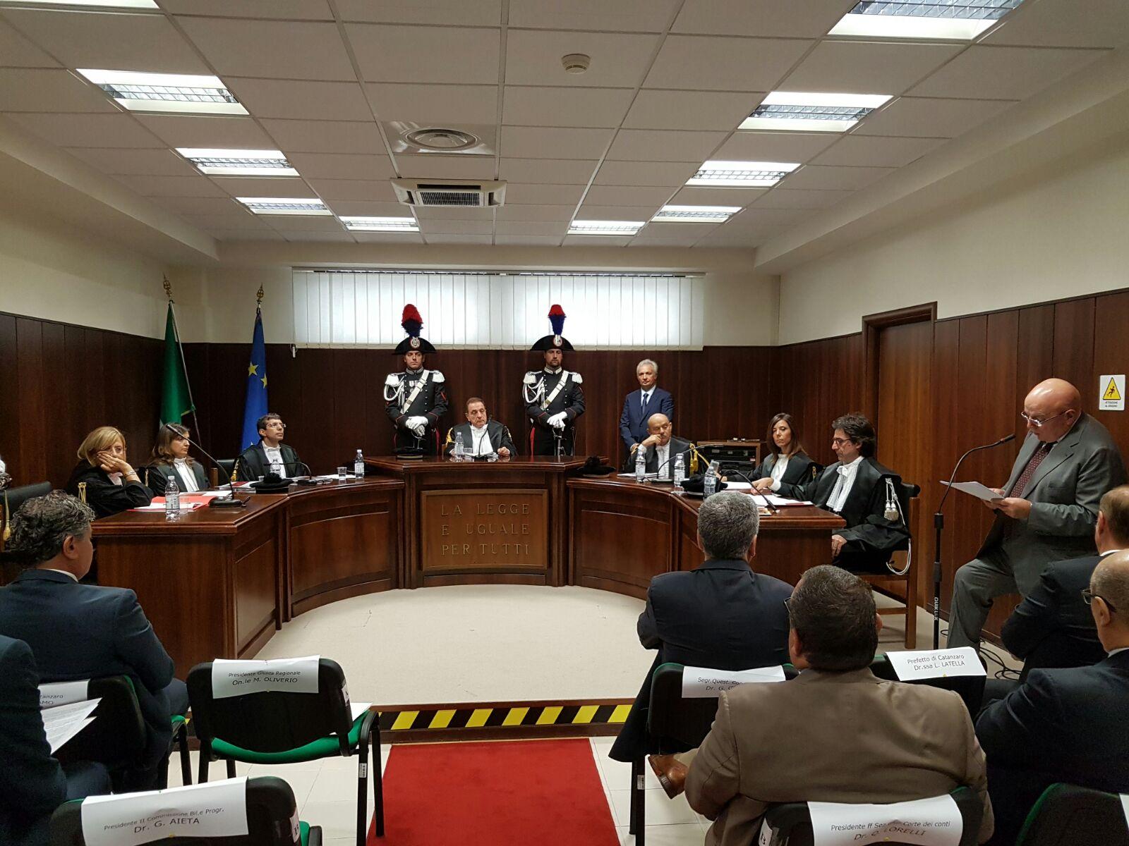 Corte dei conti boccia la Regione: inadempienze e ritardiFondi per studenti e disabili restituiti allo Stato