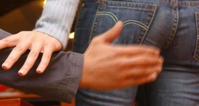 Niente attenuanti per chi palpeggia donna in trenoCassazione conferma condanna per un calabrese