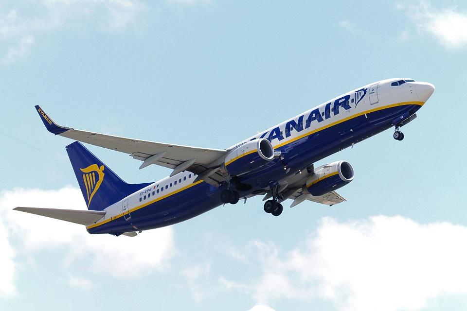 Volo Reggio Calabria-Milano di Alitalia cancellato, Ryanair offre un'offerta speciale da Lamezia